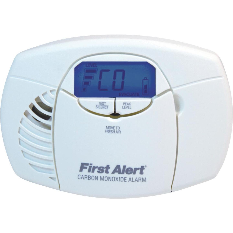 First Alert Battery Operated 3V Electrochemical Digital Display Carbon Monoxide Alarm Image 1
