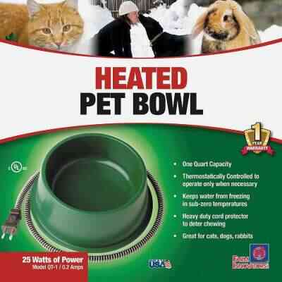 Farm Innovators 1 Qt. Plastic Heated Pet Bowl